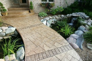 Ashlar cut stone with cut stone brick bands walkway