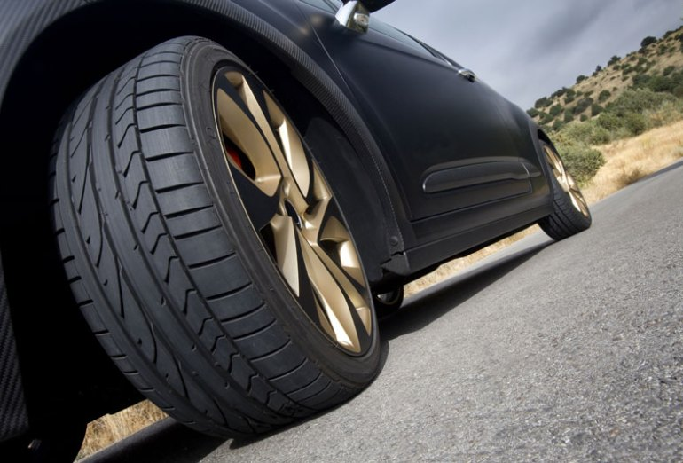 What to Do When Your Tire Pops on the Road