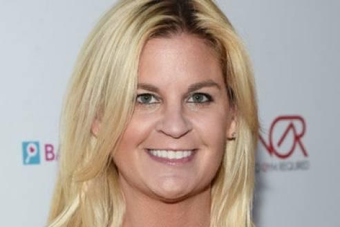 liz crokin blames her surfing injury on a spell cast by hillary
