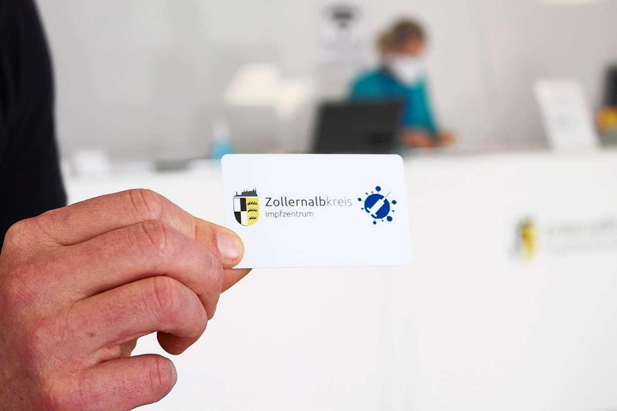 https www schwarzwaelder bote de inhalt balingen eine scheckkarte als bestaetigung be6e8695 4d0c 4715 971a 459378ac04f7 html