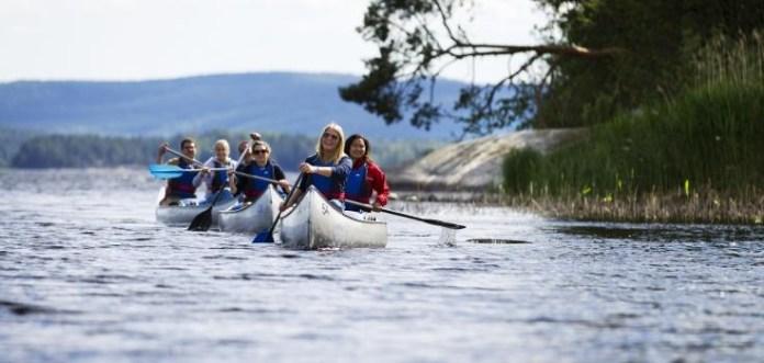 Zu zweit oder in Gruppen macht eine Kanu-Tour besonders Spass. (Foto arvikakanoe.se)