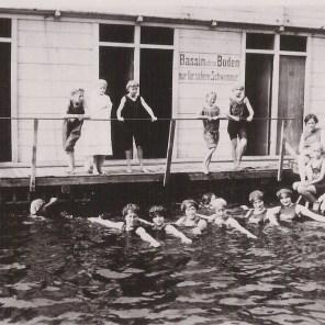 1933 Damen Wasser