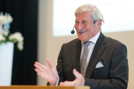 VR-Präsident Hans-Rudolf Wyss eröffnet die 94. Generalversammlung.