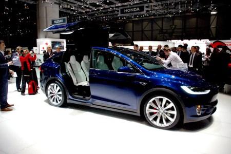 Heiss begehrt: das Model X - der SUV von Tesla am Autosalon in Genf. Bild: www.auto-salon.ch