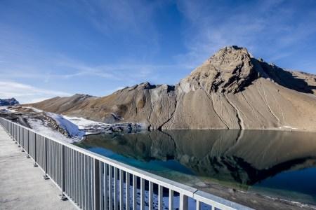 Die Staumauer Muttsee des Kraftwerks Limmern. Bild: www.axpo.ch