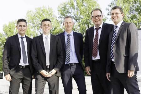 Die Geschäftsleitung der Energie ZürichseeLinth AG: Von links nach rechts: Patrick Berchtold, Benno Mazenauer, Ernst Uhler, Beat Sommavilla, Markus Näf. Bild: www.energiezuerichseelinth.ch