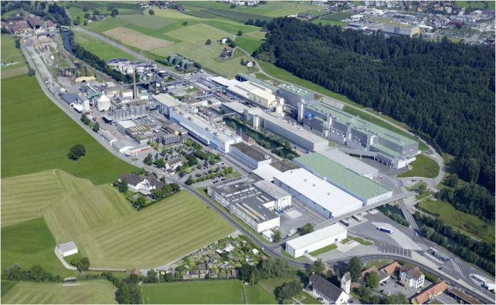 Der Hauptsitz der Gruppe und die Produktionsanlagen von Perlen Papier in Perlen/LU: Bild: www.cph.ch