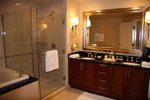 Cool Bathroom Features