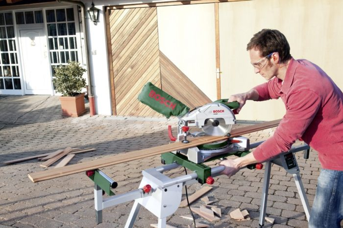 Support Mobile Bosch PTA 2400 Pour Scies Onglets Scie