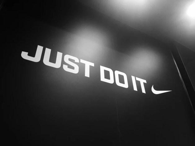 Nike logo e JUST DO IT (pio3) S
