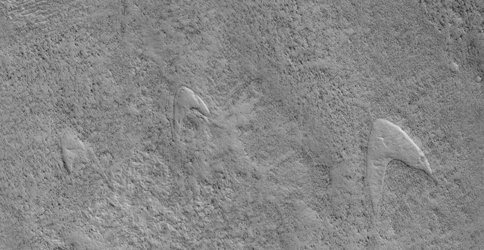 ghost dunes mars
