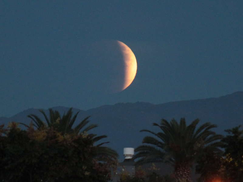 Moon rising over Saddleback, in eclipse