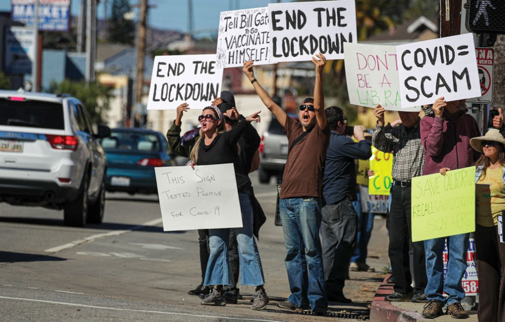 anti-vaccine protestors outside of Dodger stadium
