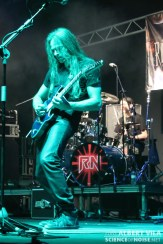 a_rising_core_ripollet_rock_02