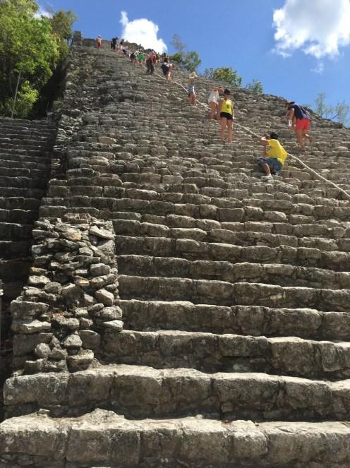 Nohoch mul pyramid mexico2