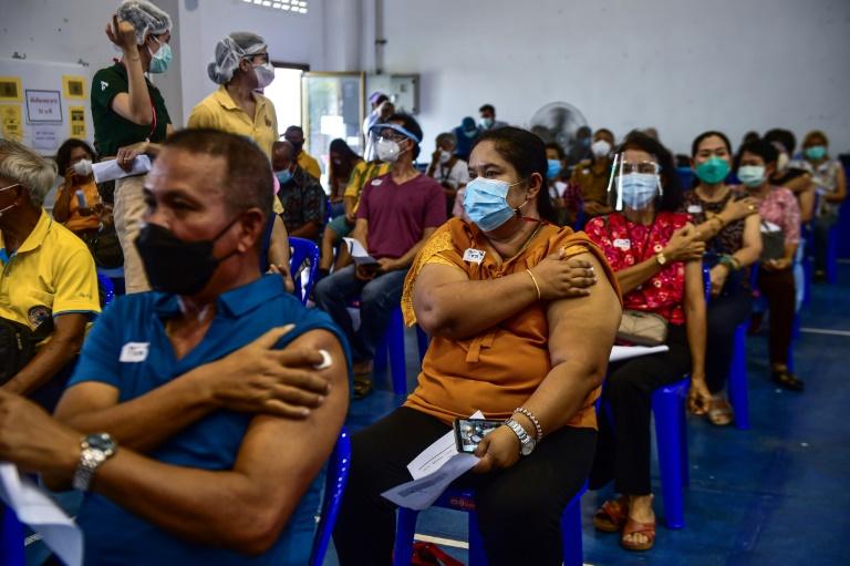 Thaïlande: vaccinations massives avant le retour espéré des touristes