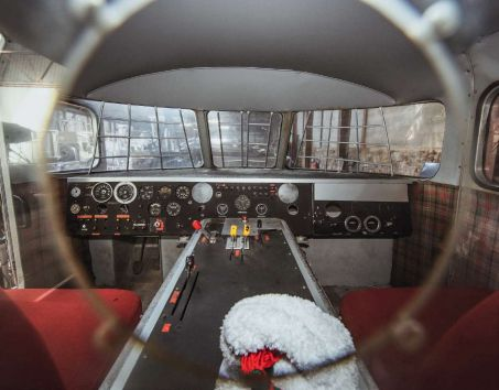 L'engin monorail a atteint, en 1974, la vitesse de 430,4 km/h ; un record mondial !