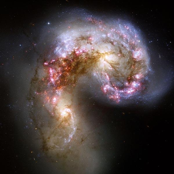 Het antennestelsel. Foto: NASA / ESA / the Hubble Heritage Team (STScI / AURA).