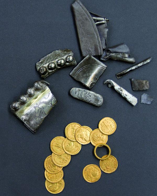 De laat-Romeinse schat. Afbeelding: Limburgs Museum..