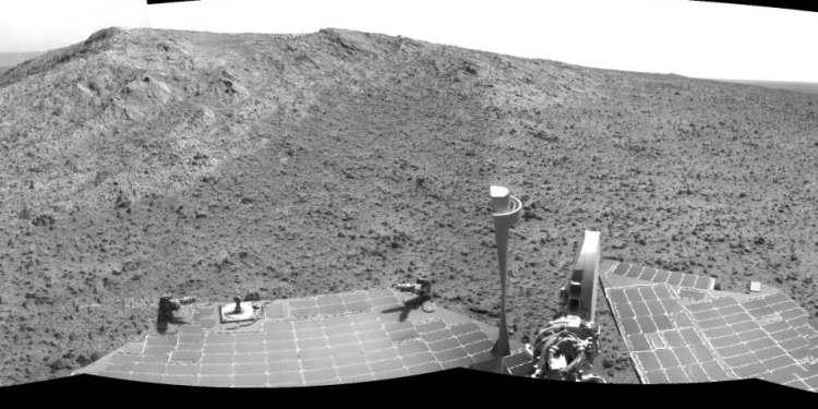 Deze foto maakte Opportunity kort voor deze begon aan de beklimming van Cape Tribulation. Afbeelding: NASA / JPL-Caltech.