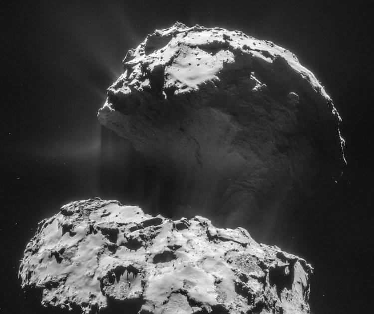 Deze fantastische foto - waarop de activiteit van komeet 67P/C-G goed te zien is - maakte Rosetta begin dit jaar. Afbeelding: ESA / Rosetta / NAVCAM.