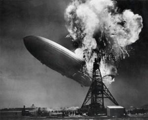 Bij de explosie van de Hindenburg kwamen 35 van de 97 passagiers en bemanningsleden om het leven.