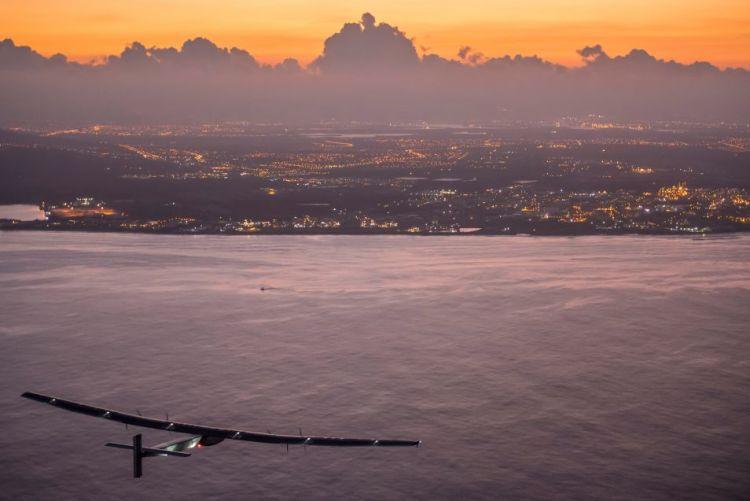 Na vijf dagen bereikt de Solar Impulse 2 Hawaï.