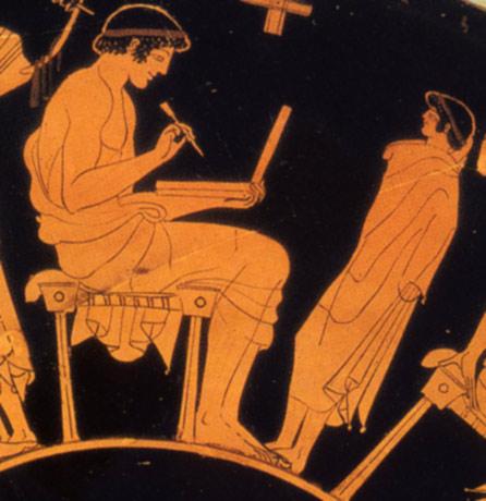 Een man schrijft op een wastafeltje. Een afbeelding uit 500 voor Christus. Afbeelding: via Wikimedia Commons.