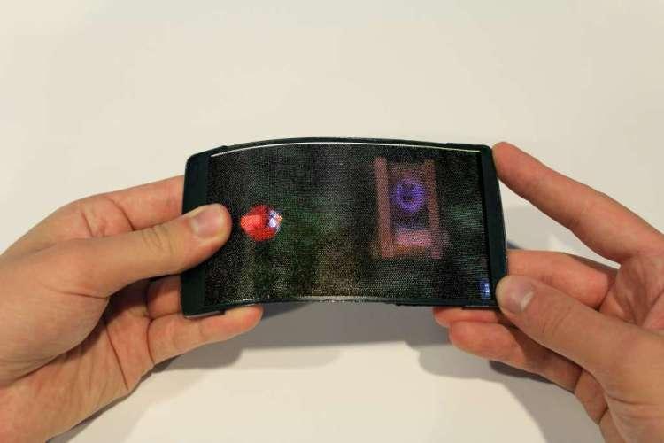Angry Birds spelen op de smartphone. Afbeelding: Human Media Lab.
