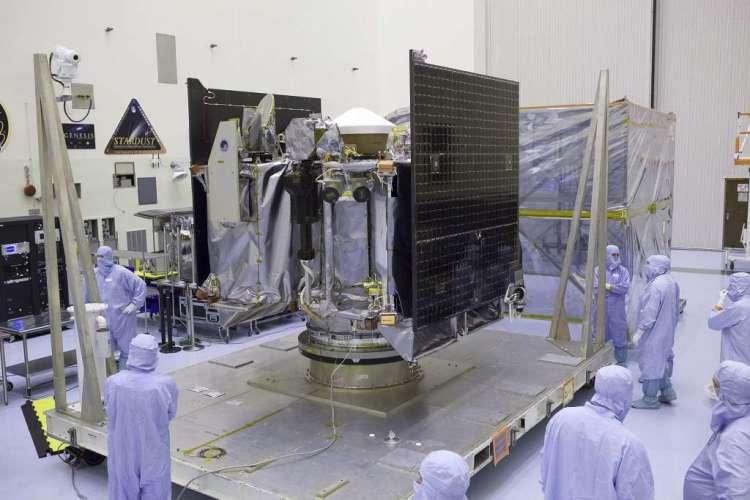 Momenteel wordt OSIRIS-REx nog uitgebreid getest. Afbeelding: NASA / Dimitri Gerondidakis.