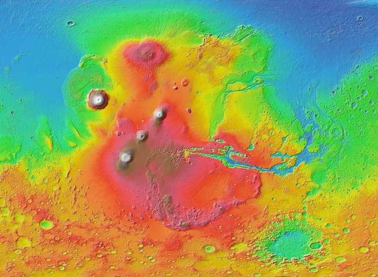De onderzoekers bestudeerden door tsunami's aangetaste kustlijnen nabij Valles Marineris. Afbeelding: NASA / JPL-Caltech.