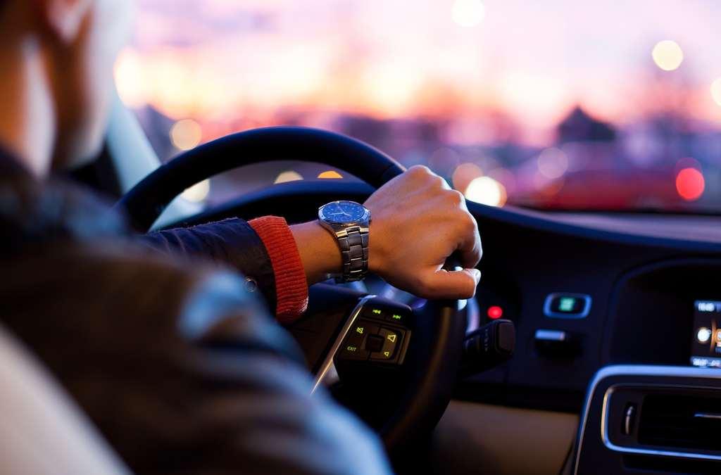 Afbeeldingsresultaat voor hoge bloeddruk door auto rijden