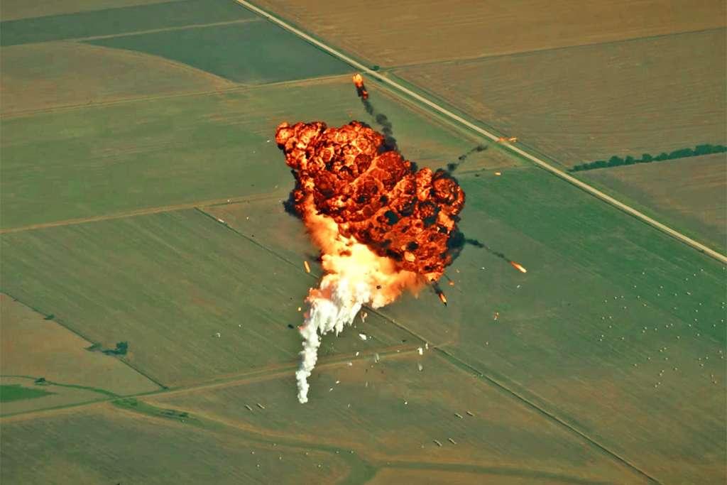 Musk heeft zelfspot: dit is niet hoe je een raket moet laten landen