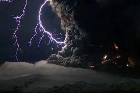 Eyjafjallajökull-eruption-lightning
