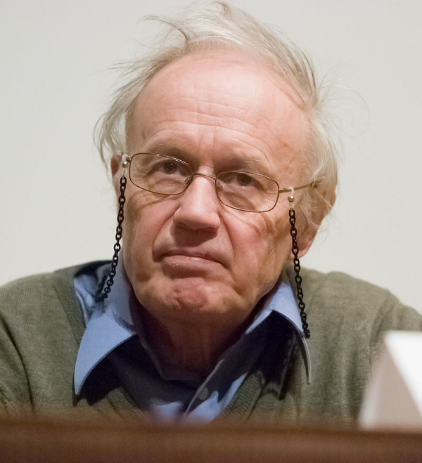 800px-Nobel_Laureate_Sir_Anthony_James_Leggett_in_2007
