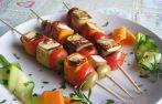 Ricette vegetariane, secondi piatti veloci: spiedini con tofu