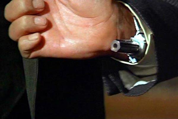 bond-gadgets-11-1012-de