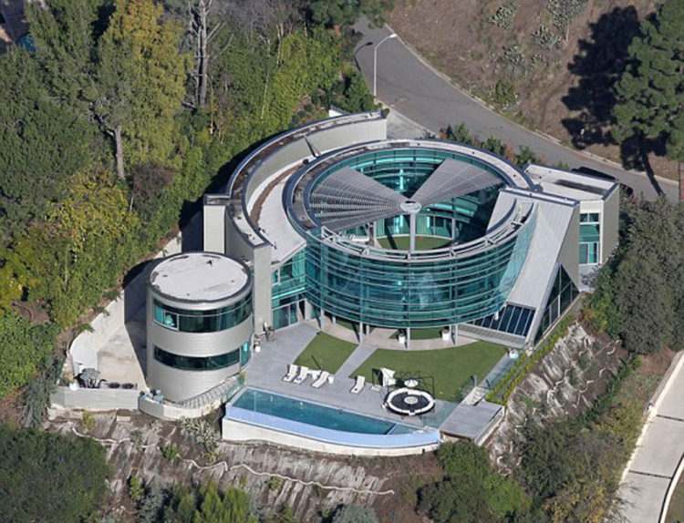 justin-bieber-rented-salad-spinner-glass-house-aerial-view