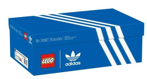 scatola set LEGO scarpe adidas