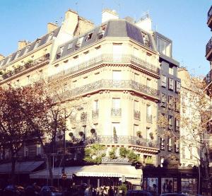 The famous Cafe de Flore.