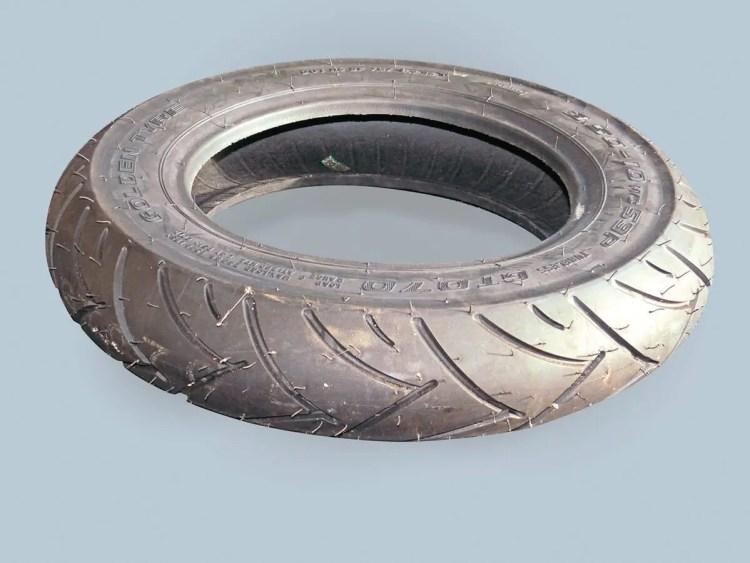 006_AF_Golden Tyre