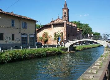 Chiesa San Cristoforo e ponte sul naviglio