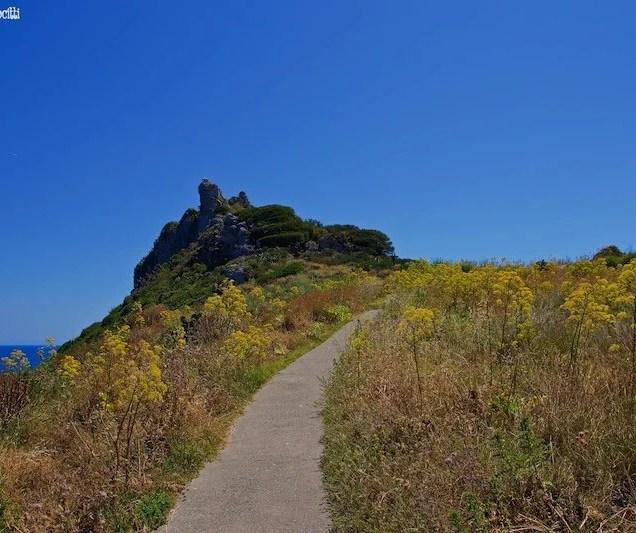 Roccia Carciofo - Sentiero Piscine di Venere - Milazzo (Sicilia)