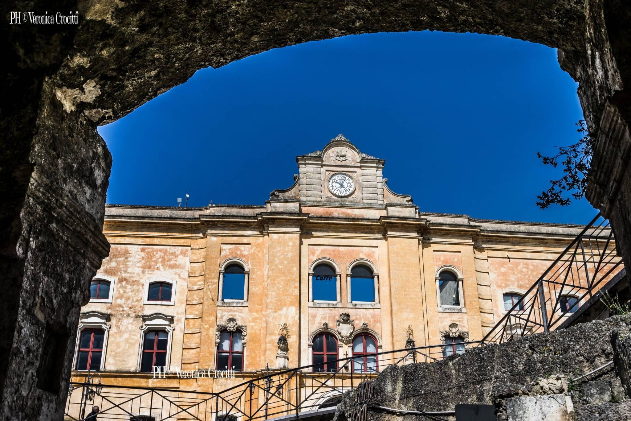 Piazza Vittorio Veneto. Matera, Città dei Sassi (Basilicata - Italia)