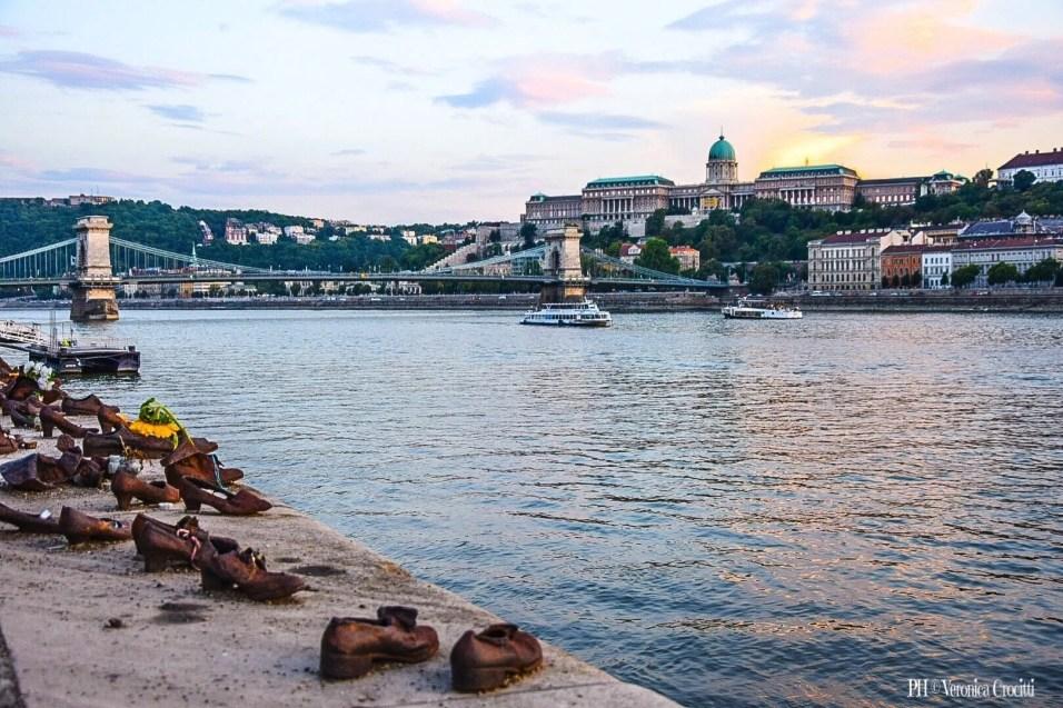 Scarpe sulle rive del Danubio - Budapest, Ungheria (Europa)