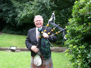 Bagpiper Gary Anderson