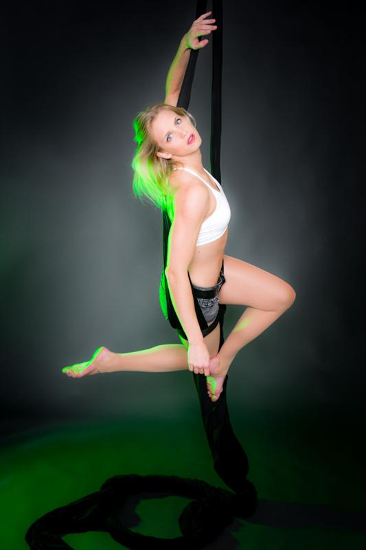 acrobatics_small-145