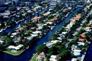 Aerial photo South Florida waterfront homes