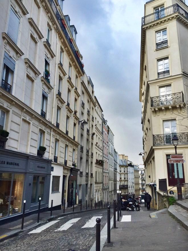 francophile find: paris buildings
