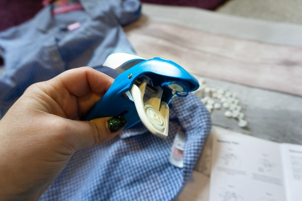 Attach-a-tag reusable clothing labelling